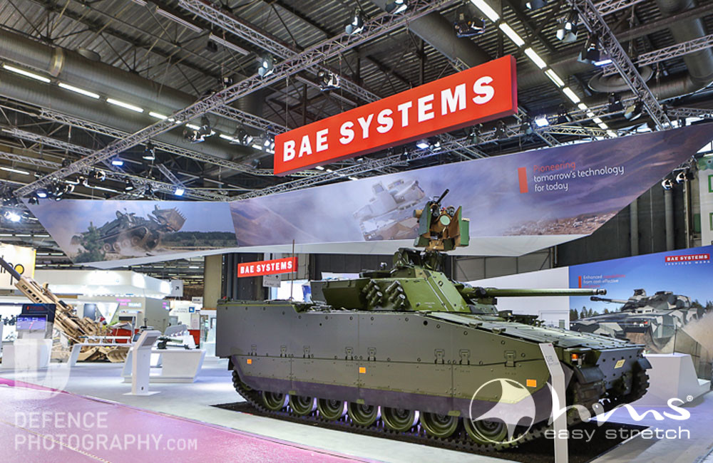 Hms Easy Stretch Fertigt Deckenbanner Für BAE Systems