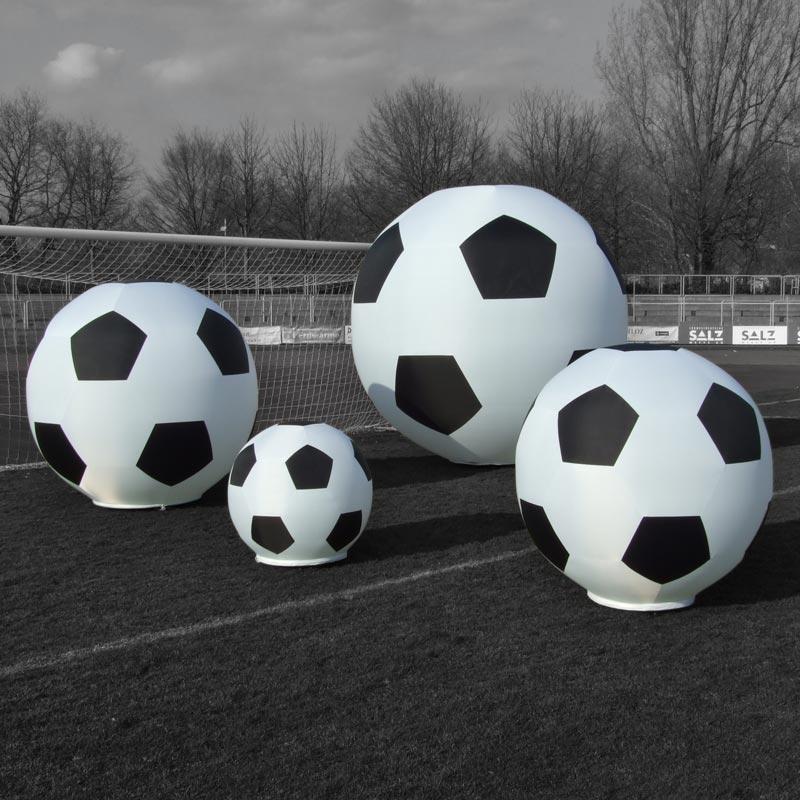 GLOBE SOCCER Leuchtskulptur Im Fußballdesign