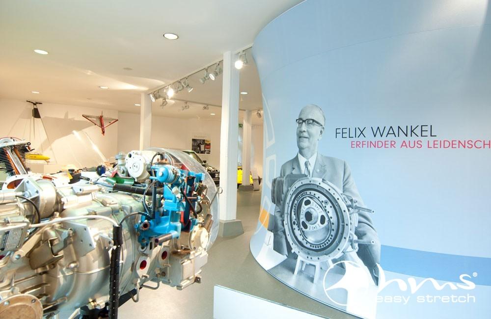 Begehbarer Wankelmotor Im Deutschen Zweirad- Und NSU-Museum